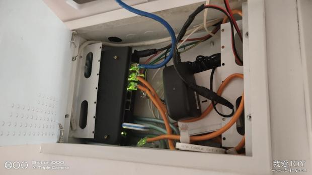 小娱C1路由器DIY外壳合体放入弱电箱完美